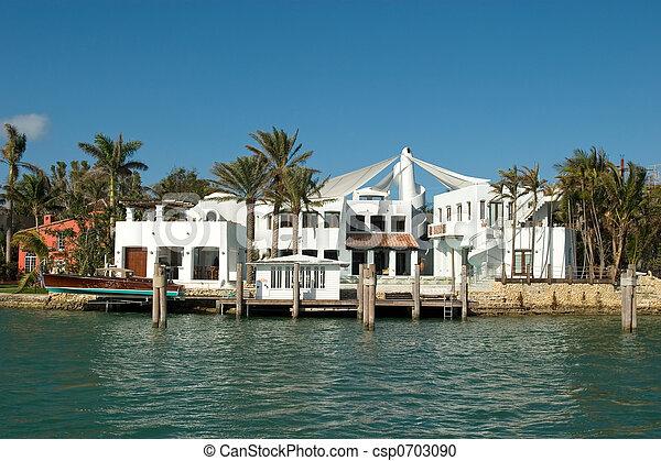 white Mansion front - csp0703090