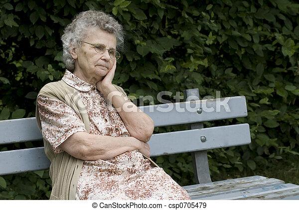 mulher, idoso - csp0705479