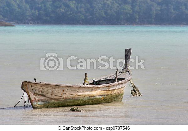 moken\'s, rowboat - csp0707546