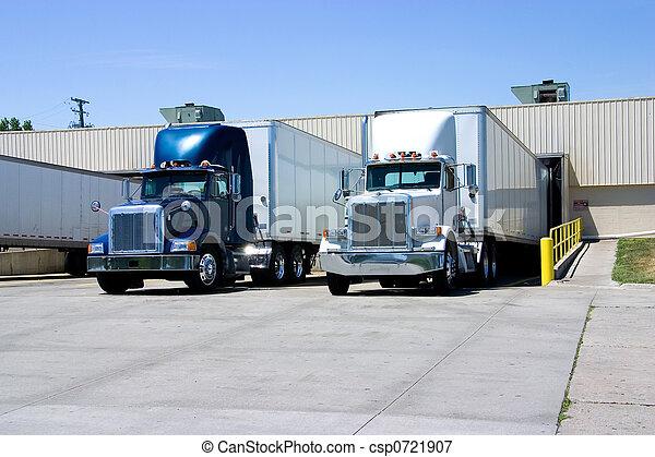 Trucks Loading - csp0721907