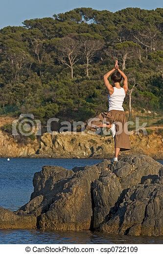 mujer, yoga - csp0722109