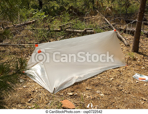 temporary survival shelter - csp0722542