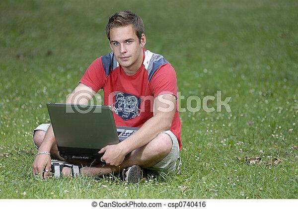 caderno, homem jovem - csp0740416