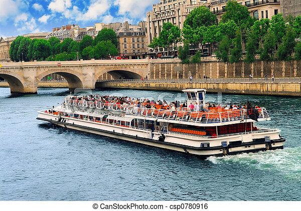 Boat tour on Seine - csp0780916
