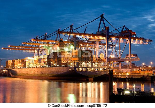 In the harbour - csp0785172