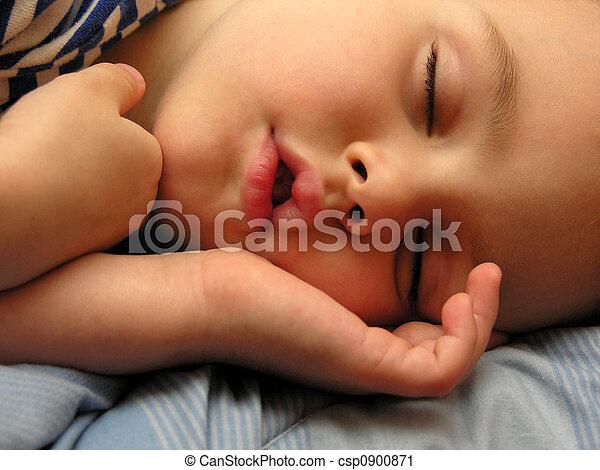 boy sleep - csp0900871