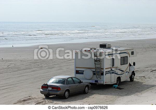 rv on the beach - csp0976626