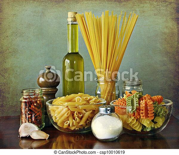 Italian recipe:aglio, olio e peperoncino (garlic, oil and chili - csp10010619