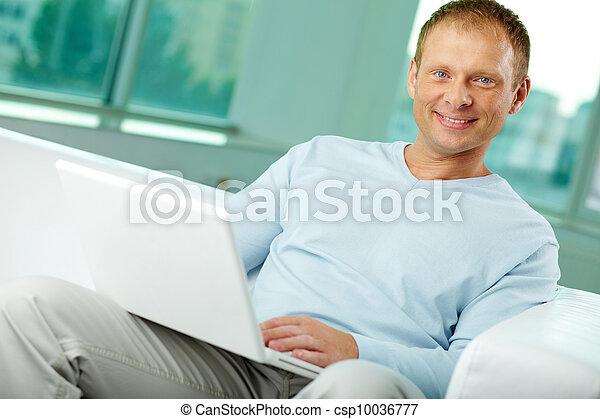 Laptop user - csp10036777