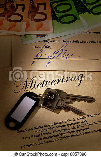 home keys and rental agreement - csp10057390