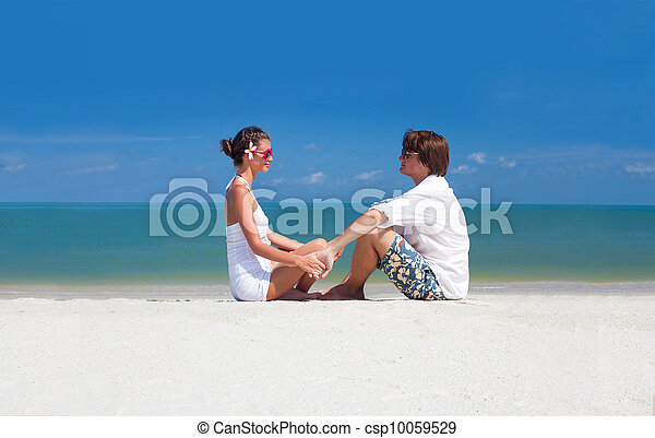 romantic lovers vacation on a tropical beach. honeymoon - csp10059529