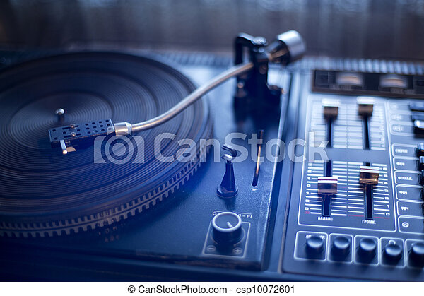 Fashioned vinyl player is waiting its wise user - csp10072601