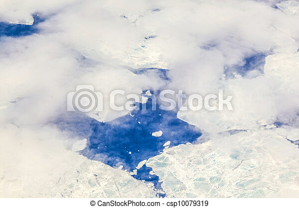 sheet of ice floating on the arctic ocean - csp10079319