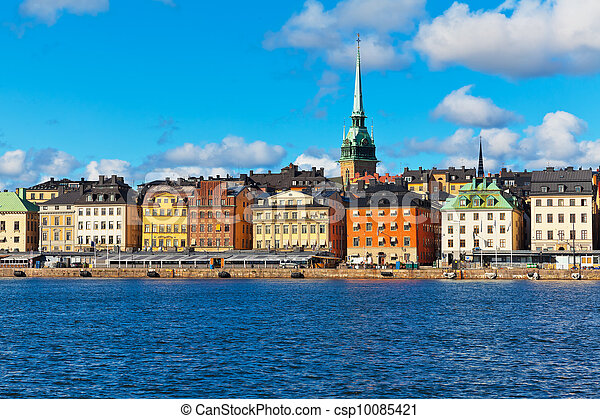 Scenery of the Old Town (Gamla Stan) pier in Stockholm, Sweden - csp10085421