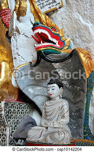 Buddhist cave in Pindaya - csp10142204