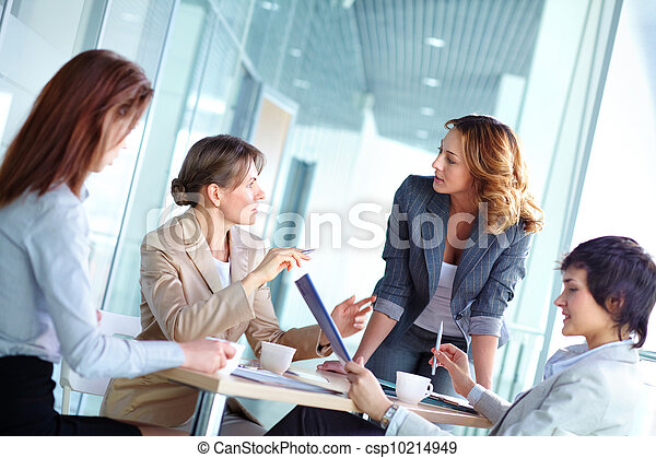 Female brainstorming - csp10214949