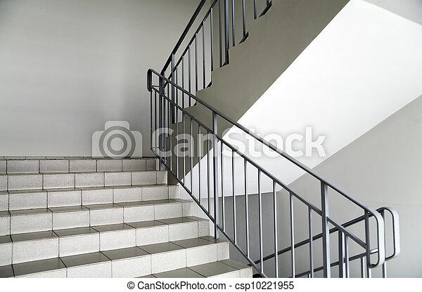 images de int rieur moderne m tallique escalier rampes escalier csp10221955. Black Bedroom Furniture Sets. Home Design Ideas