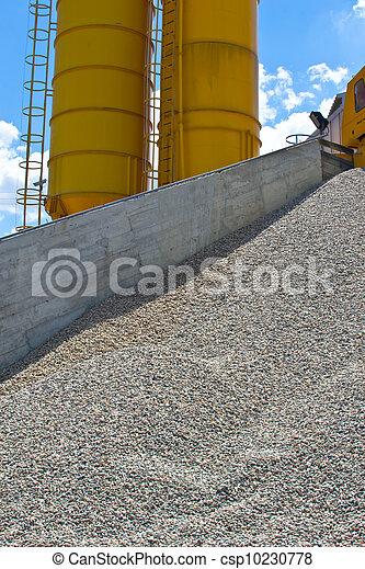 Heaps of granite gravel elimination - csp10230778