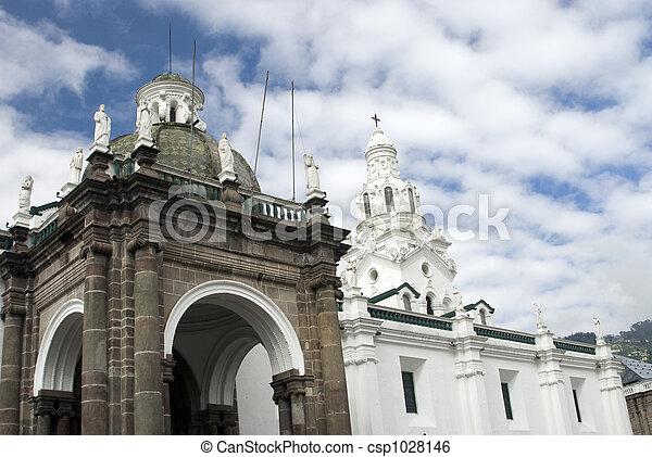 cathedral on plaza grande quito ecuador - csp1028146