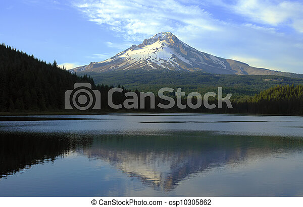 Mt Hood and Trillium lake at sunset. - csp10305862