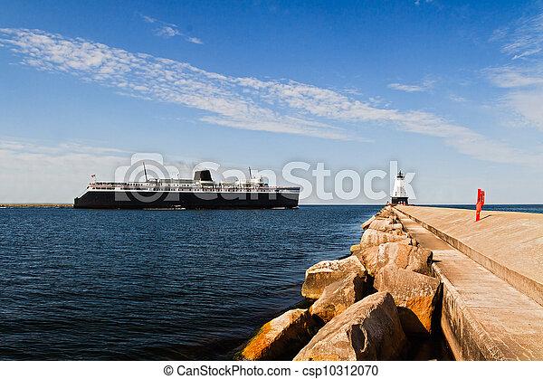 船和灯塔简笔画