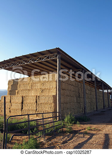 Pictures of hay barn a pole barn in a rural area filled for Hay pole barns