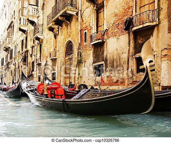 Traditional Venice gandola ride - csp10326786