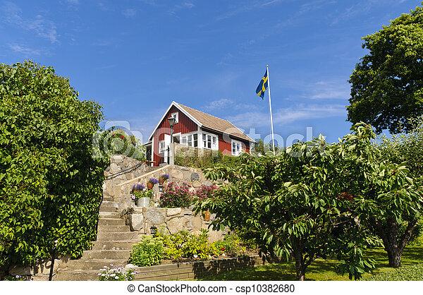 Photo rouges petite maison su de image images for Acheter maison suede