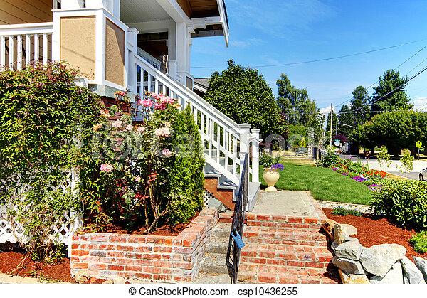 Banco de imagens de casa entrada escadas tijolo rosas for Banco para entrada de casa