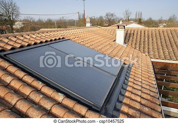 photo de maison solaire toit panneau solaire panneau sur a csp10457525 recherchez. Black Bedroom Furniture Sets. Home Design Ideas