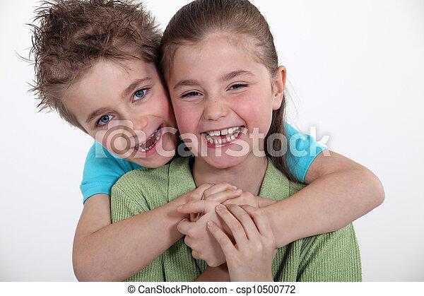 фото брат трахнул сестрой в первый раз