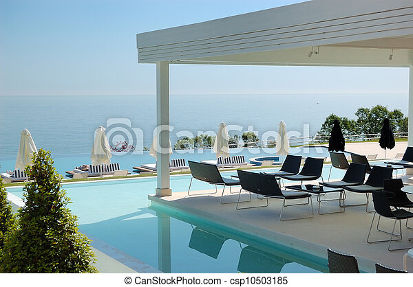 Images de natation piscine ext rieur restaurant for Exterieur restaurant