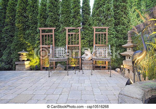 Stock Bild av dekoration, Stensättare, Trädgård, Uteplats ...