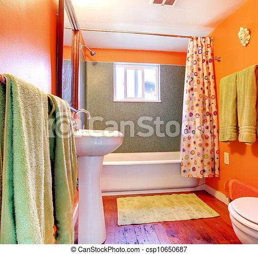 Stock de fotos naranja verde cuarto de ba o tina for Cuarto piso pelicula
