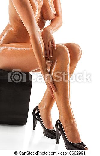 Elegant nude woman - csp10662991