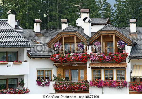stock fotografie von blumen geranien rotes balkon balkon blumen mit csp10677109. Black Bedroom Furniture Sets. Home Design Ideas