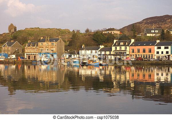 Tarbert Harbor & waterfront - csp1075038