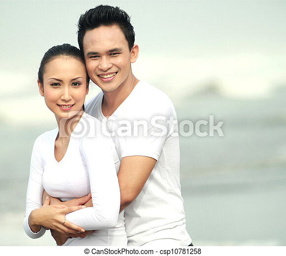 young couple at the beach - csp10781258