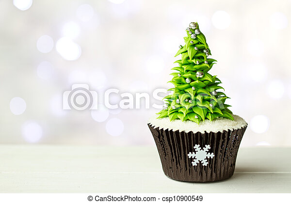 Christmas tree cupcake - csp10900549