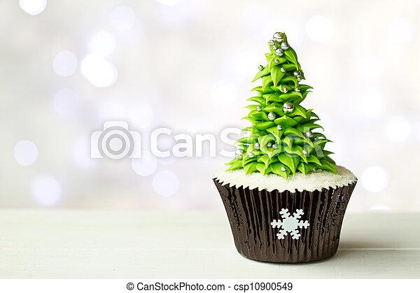 Christmas tree cupcake - csp10900549