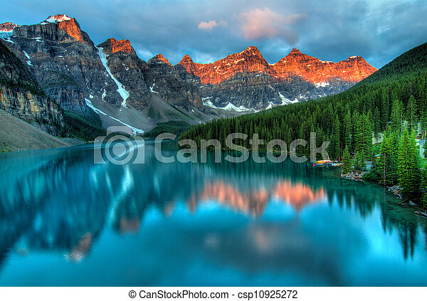 Moraine Lake Sunrise Colorful Landscape - csp10925272
