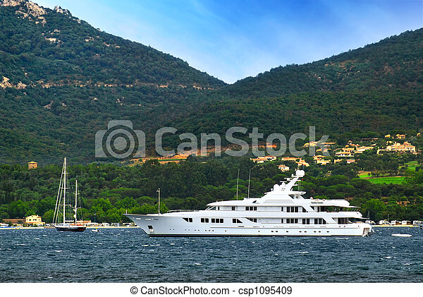 Luxury yacht at the coast of French Riviera - csp1095409