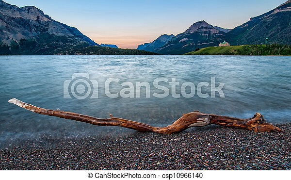 Waterton Lakes Log - csp10966140