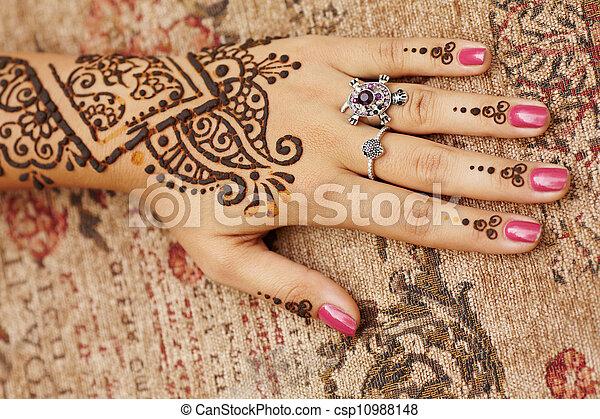 stock foto von henna art on womans hand der. Black Bedroom Furniture Sets. Home Design Ideas