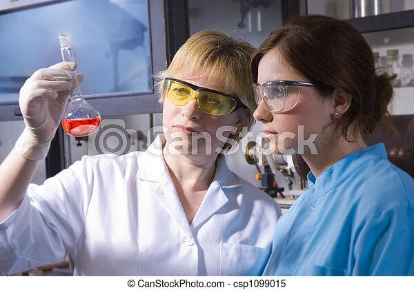 laboratorium, arbete - csp1099015