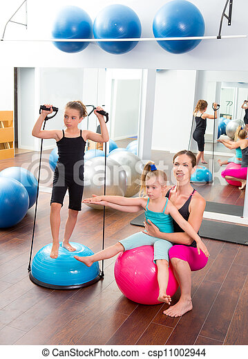 Aerobics woman personal trainer of children girl - csp11002944