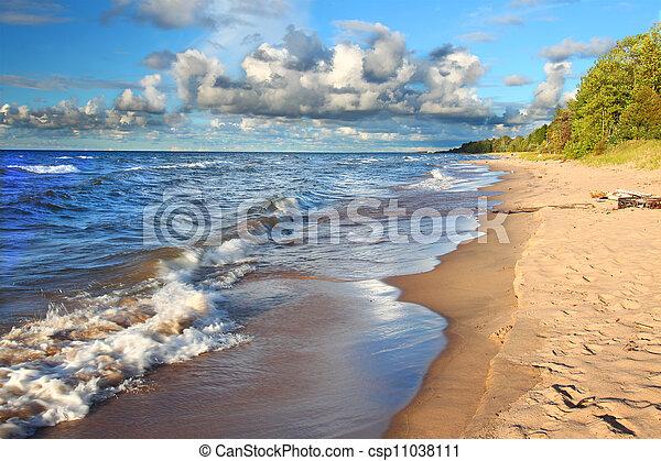 Lake Superior in northern Michigan - csp11038111
