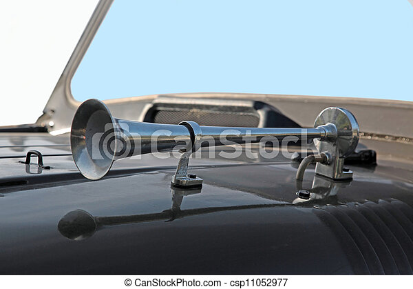 automobile  horn - csp11052977