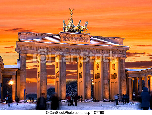 berlin brandenburger tor winter sunset - csp11077901