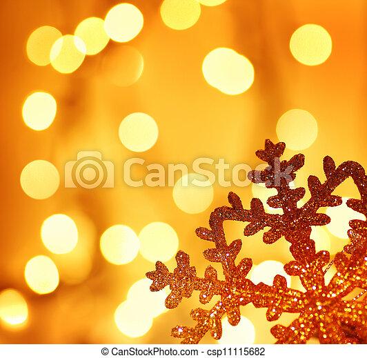 bilder av gyllene sn flinga jul tr d dekoration sn flinga csp11115682 s k stock. Black Bedroom Furniture Sets. Home Design Ideas